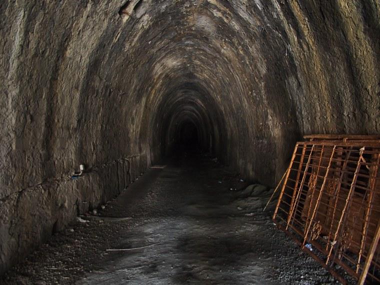 tunnelA